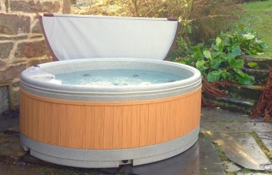 Hot tub, located in private garden (Old Bell House)