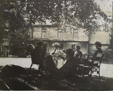 Picnic under the copper beach tree (early 1900s descendants of Evan Parry Jones and Jane Vaughan)