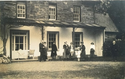 The family outside - believed to be 1916 (descendants of Evan Parry Jones and Jane Vaughan)