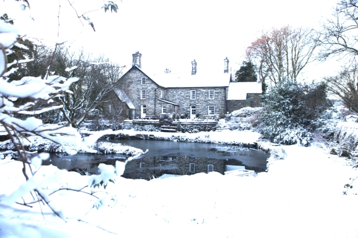 Plas Blaenddol with winter snow